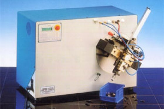 EBSO E 200 - Stříhání a formování radiálních komponent